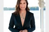 Санна Марин, пиджак на голое тело очень красиво